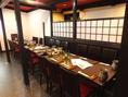 広々テーブル席は見渡しも◎人数に合わせて仕切りもご利用いただけます。