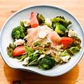 料理メニュー写真生ハム&クリームチーズサラダ/森の木の子サラダ