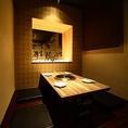 2名様から4名様のテーブル席 すだれ一つで個室空間