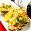 料理メニュー写真広島産殻付き牡蠣のグラタン