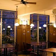 大きな窓が印象的☆開放的なピッツェリア♪