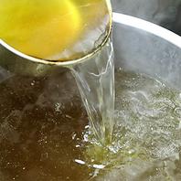 あっさり仕上げた透明スープ
