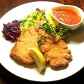 料理メニュー写真●カスラーリプヒェンのシュニッツェル(ドイツ風カツレツ 2種類)