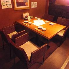 洋風な人気のテーブル席は2~4名様まで
