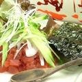 料理メニュー写真マグロのユッケ韓国風