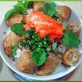 料理メニュー写真牛肉又は揚げ春巻きビーフン 【冷】