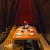 あたたかみのある照明ときれいな雰囲気での半個室ご案内☆2席のみのため早めのご予約を!