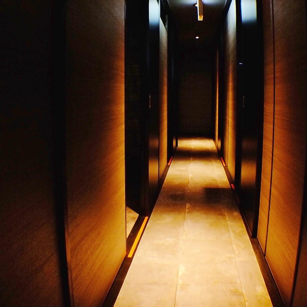 個室×modernistic dining 隠れ家 萬坊(manbow)|店舗イメージ1