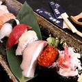 料理メニュー写真おまかせ握り寿司 10貫〈味噌汁付〉