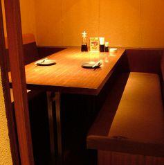 家族連れに人気のゆったりテーブル席