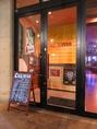 パティオ二線路2Fのおしゃれなガラス張りの扉が目印★