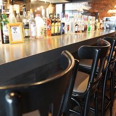 カップルやお一人様にもおすすめ。お洒落な店内でCafe&Barをお楽しみください。