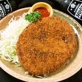 料理メニュー写真手作り地鶏コロッケ