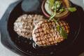 料理メニュー写真国産牛ハンバーグ150g