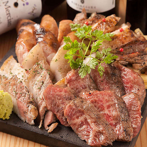 甲州牛も入った名物「肉炉端盛り合わせ」を、是非ご賞味くださいませ!