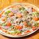料理メニュー写真ピッツァ BLT(ベーコン、レタス、トマト) サラダ風