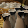 《静岡駅徒歩3分》静岡の銘酒・全国の希少種をご用意しております。日本酒とご一緒にお愉しみいただける「お刺身盛合わせ」「出汁巻玉子」などご用意しております。毎月変わる季節のメニューをご用意しております。