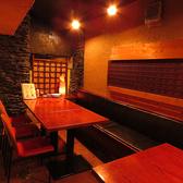 (2階 フロア)10名様テーブル席。4名様と6名様にも分けることができます。