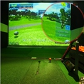 ■■精度99.9%の弾道計測機能!!■■シミュレーションだからと侮ってはいけません!このリアルな臨場感はゴルフコースそのもの!実際のプレーに近い状態で室内ゴルフを楽しむことができます。フェードやドローなどの球筋を忠実に読み取り、再現が可能です。