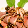 料理メニュー写真鴨のカルパッチョ イチジク添え