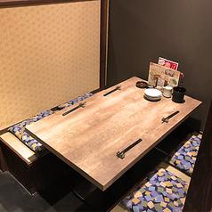 【テーブル席】人気の半個室空間♪家族連れや女子会に◎