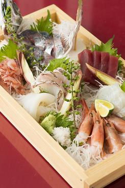 青山食堂のおすすめ料理1