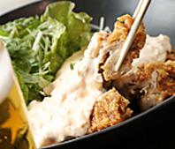 『宮崎名物チキン南蛮』鶏もも肉を丸々一枚を揚げる逸品