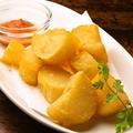 料理メニュー写真ポテトフライ ブラバソース添え(チリトマトソース)