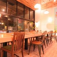 1階の大きなコミュニティーテーブル