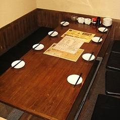 半個室の広々テーブルは女子会や会社飲み会に!