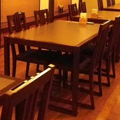 気軽に和食を楽しんで頂くために、テーブル席も多数ご用意