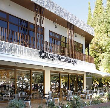 ロイヤルガーデンカフェ Royal Garden Cafe 青山の雰囲気1