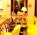2名~12名様までゆったりと座っていただけるテーブル×ソファ席。【烏丸/五条/イタリアン/バル/女子会/記念日/デート/誕生日/ハッピーアワー/宴会/歓送迎会/新年会】