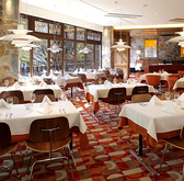 ロイヤルガーデンカフェ Royal Garden Cafe 青山の雰囲気2