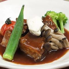 料理メニュー写真ブルゴーニュ風牛肉のシチュー