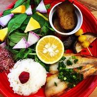 【新鮮な野菜を使用!彩豊かなメニュー】