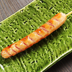 料理メニュー写真錦雲豚のソーセージ串【スタンダードorチーズ焼き】