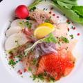 料理メニュー写真産地直送!新鮮新魚のカルパッチョ盛り合わせ