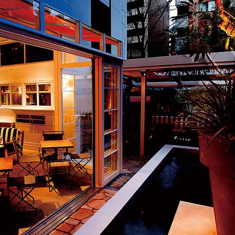 恵比寿ガーデンプレイスのヒルサイドに佇むレトロモダンなビルを丸ごとリノベーション