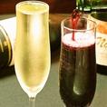 イザヴィーノの大人気メニュー♪なみなみに注がれたスパークリングがなんと600円で飲めちゃいます!!
