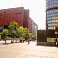 【道案内】博多駅構内を抜けて博多口へ・・・西日本シティ銀行前の横断歩道を渡って真っ直ぐお進みください♪