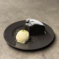 料理メニュー写真ブラックココアのシフォンケーキ
