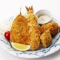 料理メニュー写真【源ちゃんオススメ定食プリプリ海老】魚河岸フライ定食