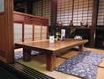 間仕切りのあるお座敷のお席。ゆったりとくつろいでお食事をお楽しみいただけます。