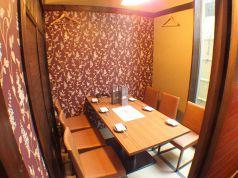 テーブル個室が2席。