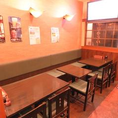 【1階】会社帰りや気の合う仲間との飲み会におすすめの2名様用のテーブル席です!
