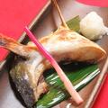 料理メニュー写真ハマチ カマの塩焼き