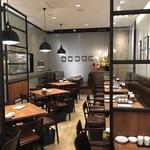 「美食・ヘルシー」をテーマとした料理を豊富にラインナップしたカフェ&ダイニングバーが誕生♪