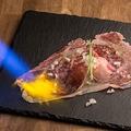 料理メニュー写真はみ出る!大判A5和牛サーロインの炙り~すき焼き仕立て~
