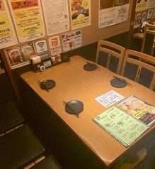 4名様×6席少人数のにもぴったりなお席をご用意しております。